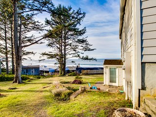 Romantic oceanview escape with sweeping views and easy beach access