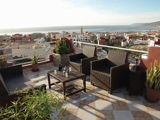 5 min from beach, duplex 100 m2 terrace unbreaking sea view ideal family/surfeu