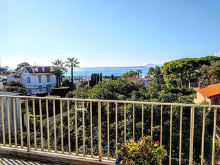 Antibes Cap d'Antibes Stunning sea views! 3 bed 2 bath