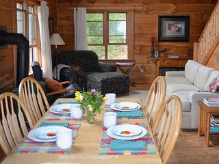 Private Cabin close to Waynesville, Asheville, Hiking, Fishing, Waterfalls, Golf
