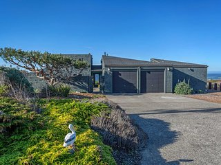 Stunning Just Remodeled Oceanfront Home in Sereno Del Mar!