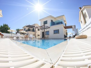 Villa Alexandra (Private pool, 90 meters from beach, Near to Nissi Beach)