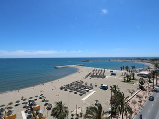 Beachfront apartment with panoramic views in Fuengirola Stella Maris 803!