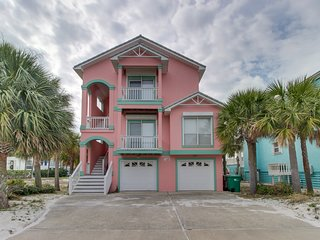 NEW LISTING! Bright & spacious beach getaway-perfect for large groups & families