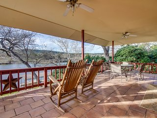 NEW LISTING! Beautiful lakefront house w/ lake views & private dock - dogs OK!