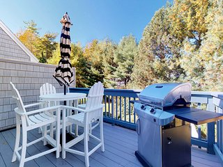 NEW LISTING! Cape Cod style condo w/grill & shared pool, sauna, gym - near beach