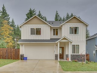 NEW LISTING! Newer dog-friendly home with great Columbia Gorge access!