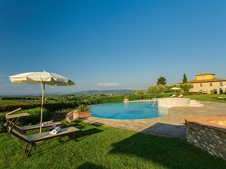 Tavarnelle, luxury villa Chianti with SPA. Large groups and private facilities!