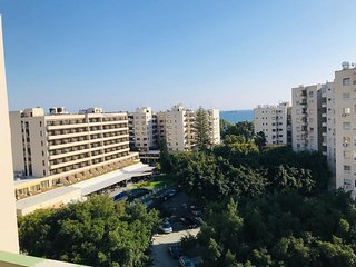2b Modern Seaview apt - Olympic beach