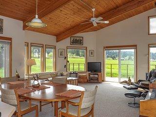 NEW LISTING! Seaview condo w/deck & lawn - walk to trails, restaurants