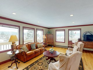 NEW LISTING! Lovely hilltop home w/spectacular views-near National Forest trails