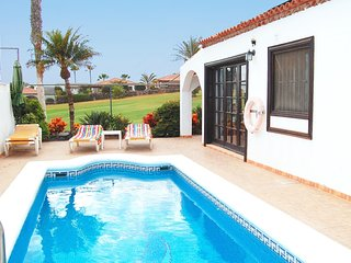 Villa Golf, La Quinta- 3 bed with private solar heated pool & wifi