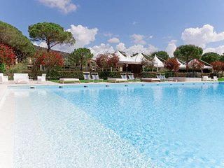 Capalbio Scalo Holiday Home Sleeps 6 with Pool Air Con and Free WiFi - 5776607