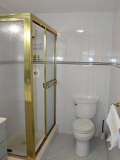 #1 Bedroom En suite Bathroom