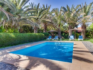 Elegant villa with private pool surrounded by gorgeous garden!