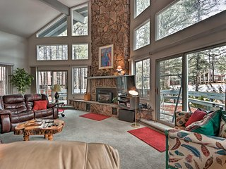 Pinetop Country Club Home w/Deck+Fairway View