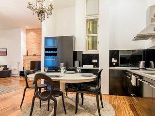 Elegant, modern apartment w/ terrace - next to Fashion St., 3 blocks to Danube!