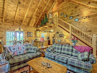 Secluded home on acreage w/hot tub, fireplace & wrap-around deck