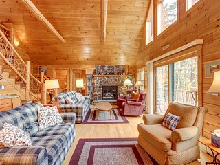 Lakefront cabin with beautiful loft, game room, views, private dock