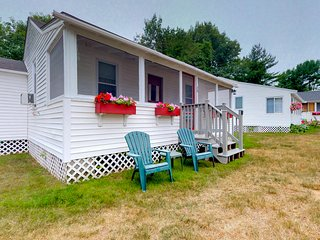 NEW LISTING! Cozy cottage w/ patio & shared pool - near the beach