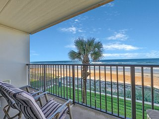 Beachfront townhouse right on the ocean w/ balcony & shared pool!