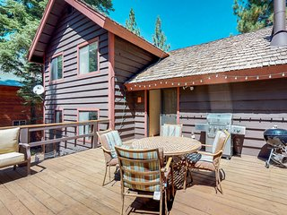 Spacious cabin with shared pools, hot tubs, near skiing and golf!