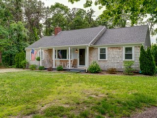 NEW LISTING! Quiet, charming home w/screened porch near restaurants, beach