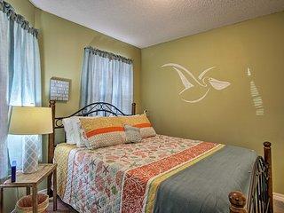 Pensacola House w/Patio Near Beaches and Downtown!