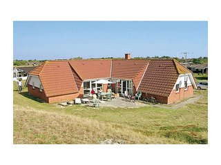 Stunning home in Fanø w/ Sauna, WiFi and 5 Bedrooms