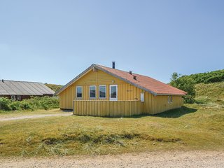 Stunning home in Fanø w/ Sauna and 3 Bedrooms