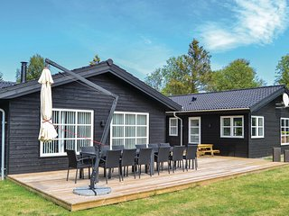 Stunning home in Saeby w/ Sauna, WiFi and 5 Bedrooms