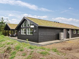 Amazing home in Blåvand w/ Sauna, WiFi and 9 Bedrooms