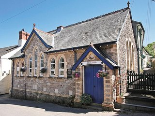 Holbeton Devon Beautiful converted Chapel Sleeps 10