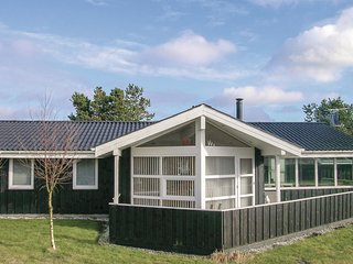 Nice home in Hals w/ WiFi and 4 Bedrooms