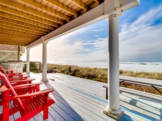 Dog-friendly, waterfront rental - just steps from the beach & restaurants