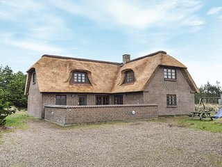 Beautiful home in Blåvand w/ Sauna, WiFi and 5 Bedrooms