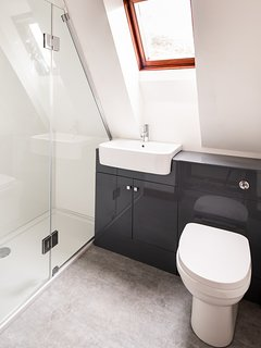 Modern Shower Room with underfloor heating
