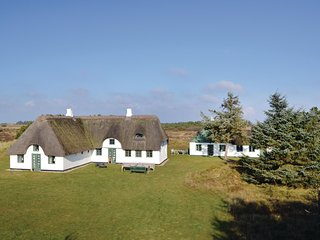 Stunning home in Blavand w/ WiFi and 6 Bedrooms (A3115)