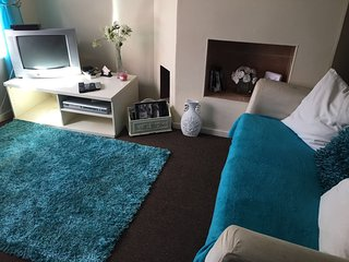EDINBURGH CITY CENTRE sakina apartment