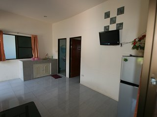 Affordable one bedr. bungalow near Lake Mabprachan.