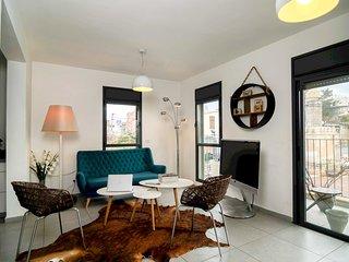 Jaffa Designed Duplex in heart of the city
