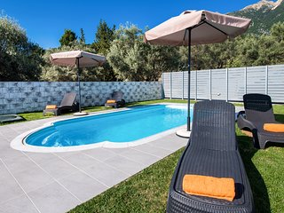 PERFECT FOR FAMILIES WITH POOL AND SEA VIEWS IN LEFKADA CLOSE TO NIDRI TOWN