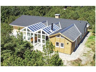 Stunning home in Blåvand w/ Sauna, WiFi and 6 Bedrooms (A3157)