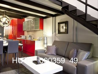 Camp Nou Duplex I apartment in Les Corts with WiFi, air conditioning & lift.