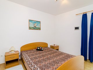 Apartments & Room BlueMoon - Basic Studio Apartment with Patio and Side Sea