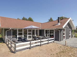 Amazing home in Blåvand w/ Sauna, WiFi and 4 Bedrooms (A3195)