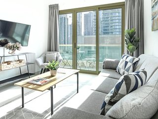 Minutes from JBR Beach! Beautiful 1BR in Marina!