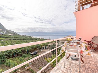 Apartment Anny 1 Magnificent views ,Sea ,Mountains