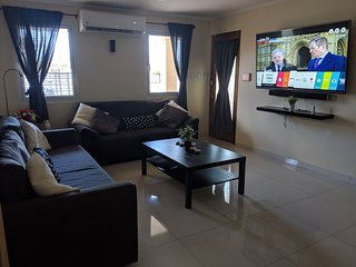 Casa Elyssé Aruba - walk to Eagle Beach - new modern