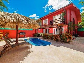 La Casa Roja, 2 blocks from the beach
